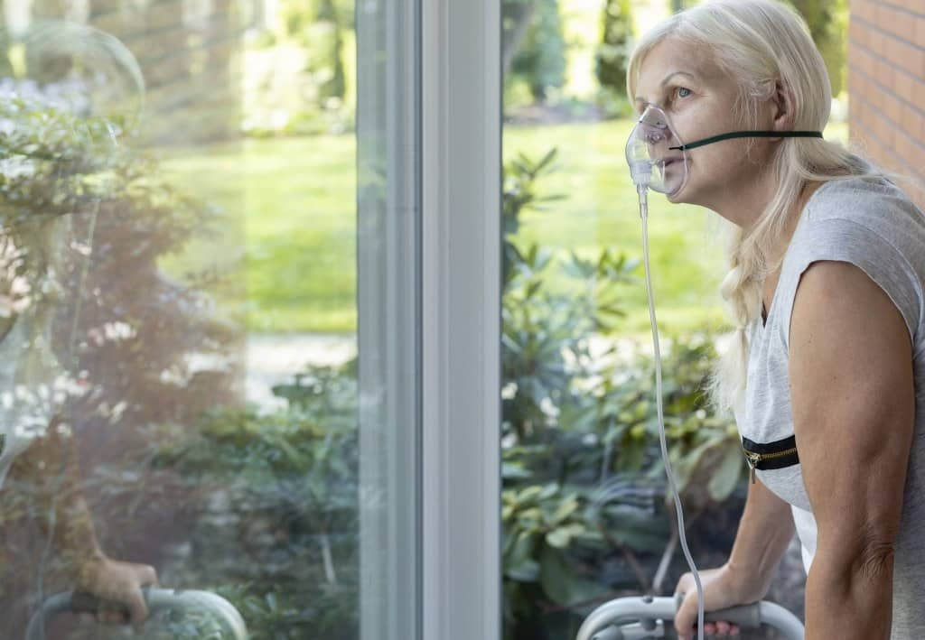 Frau mit Heimbeatmung Elai Pflegedienst Berlin